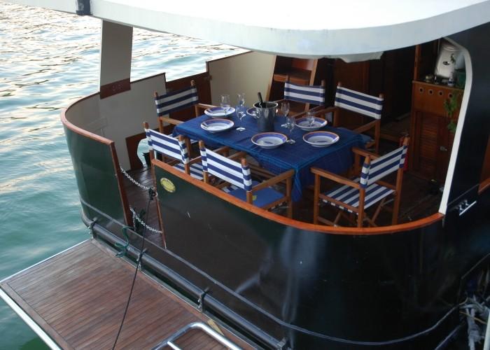 Mitsouko Boat